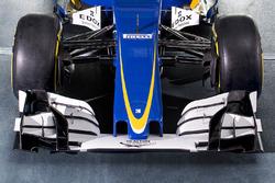 Sauber C35 front wing detail