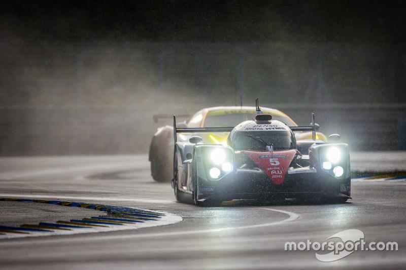 #5 Toyota Racing Toyota TS050 Hybrid: Anthony Davidson, Sébastien Buemi, Kazuki Nakajima