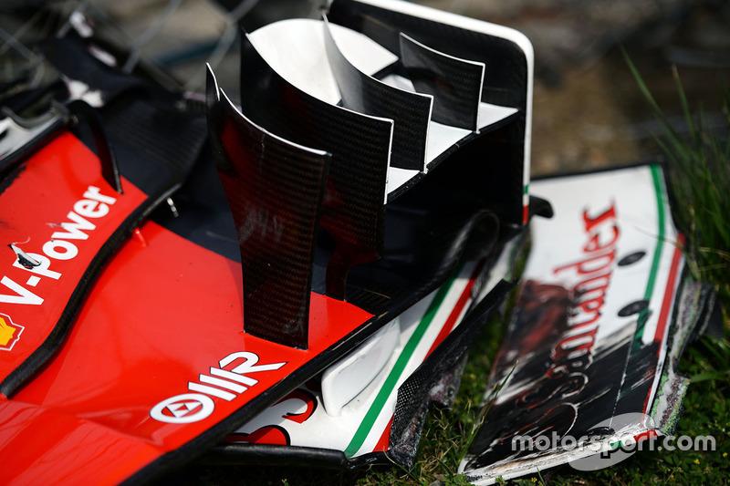 The broken front wing of Kimi Raikkonen, Ferrari