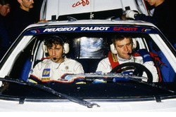 Popi Amati e Andrea Zanussi a bordo della Peugeot 205 T16