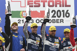 Podium: Race winners LM GTE #99 Aston Martin Racing Aston Martin Vantage V8: Andrew Howard, Darren Turner, Alex MacDowall