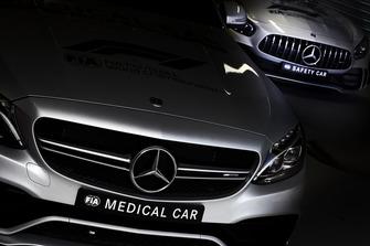 سيارة الأمان والسيارة الطبية