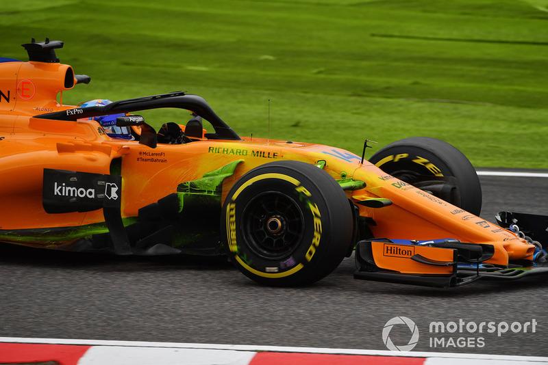 Fernando Alonso, McLaren MCL33 con parafina en la suspensión delantera