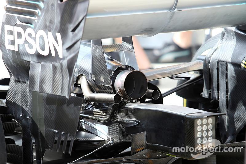 Escape del Mercedes AMG F1 W09