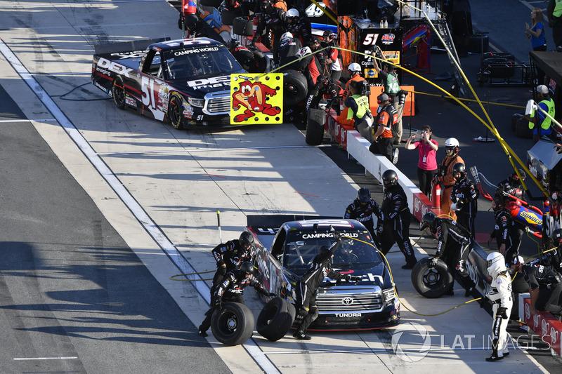 Boxenstopps: Noah Gragson, Kyle Busch Motorsports, Toyota; Harrison Burton, Kyle Busch Motorsports, Toyota