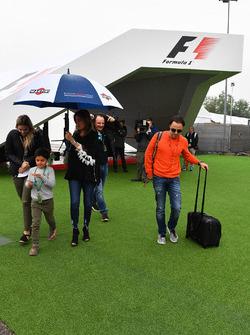 Felipe Massa, Williams, his wife Rafaela Bassi, son Felipinho Massa