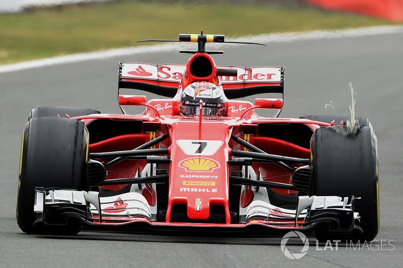 Гран Прі Великої Британії. Кімі Райкконен, Ferrari SF70H,  прокол