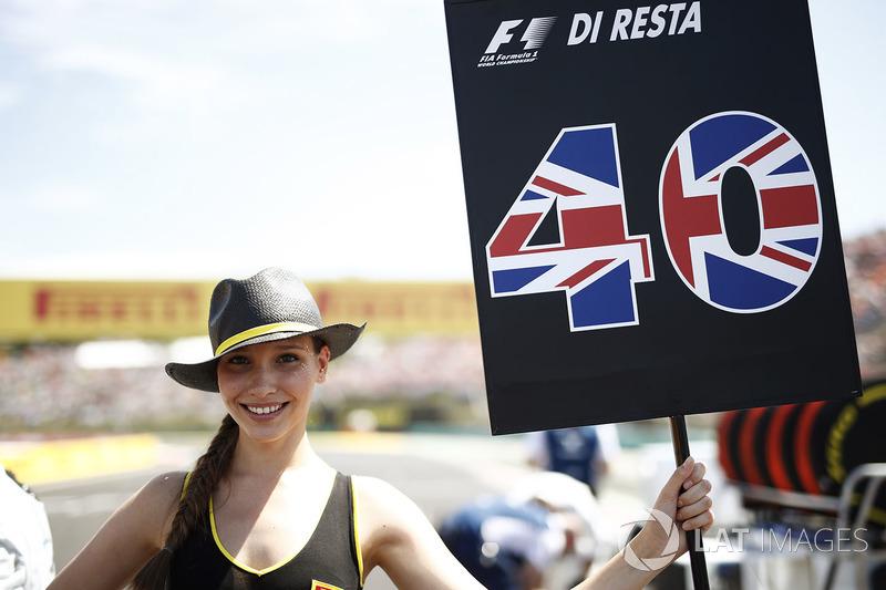 Chica de la parrilla para Paul di Resta, Reserve Driver, Williams F1