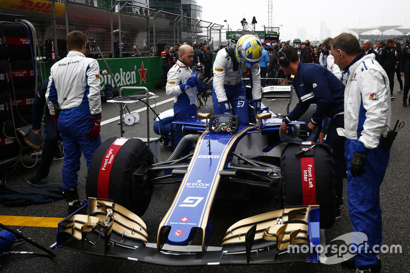 Marcus Ericsson, Sauber, on the grid