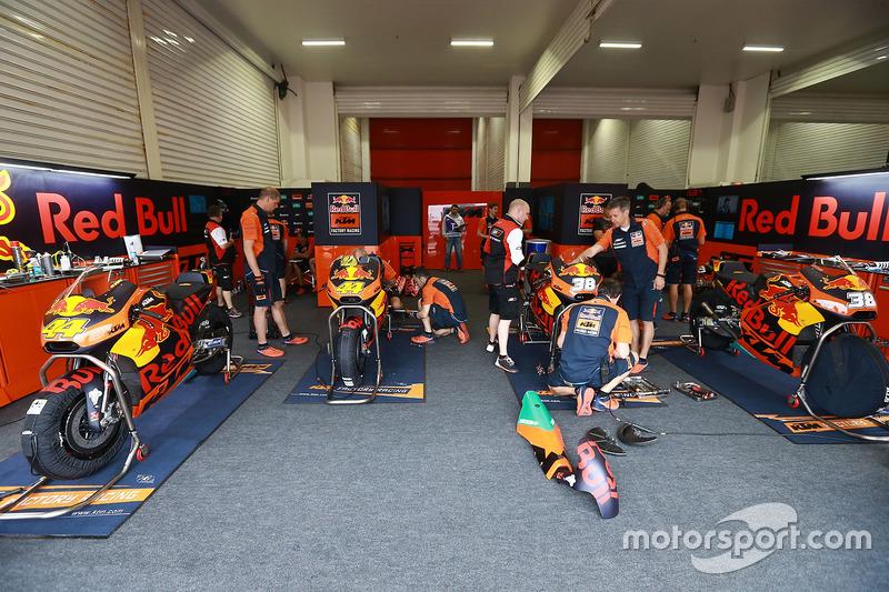 Red Bull KTM Factory Racing garage