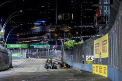 Safety-Car-Phase: Lewis Hamilton, Mercedes AMG F1 W08, führt