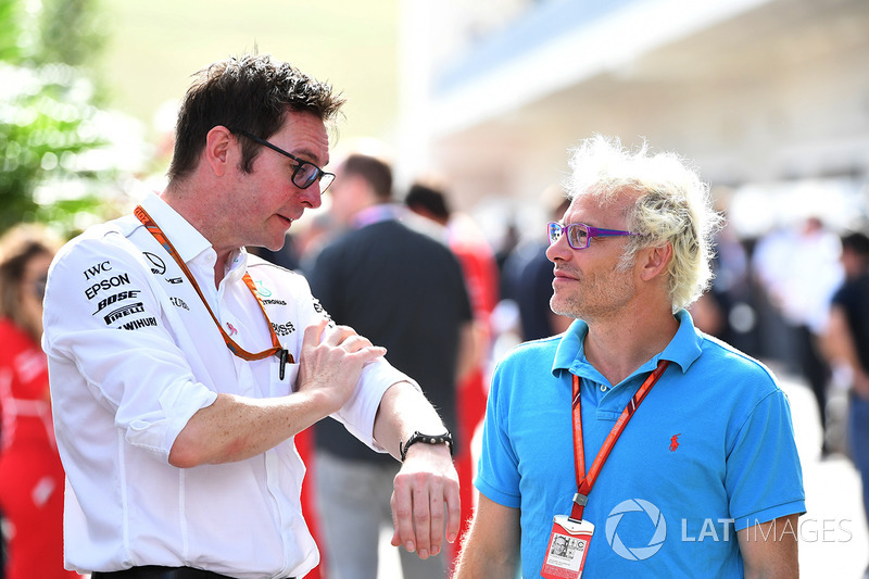 Andy Shovlin, Mercedes AMG F1 Chief Engineer and Jacques Villeneuve