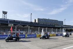 Nick Heidfeld, Mahindra Racing, Lucas di Grassi, Audi Sport ABT Schaeffler, Daniel Abt, Audi Sport ABT Schaeffler, on the drivers parade