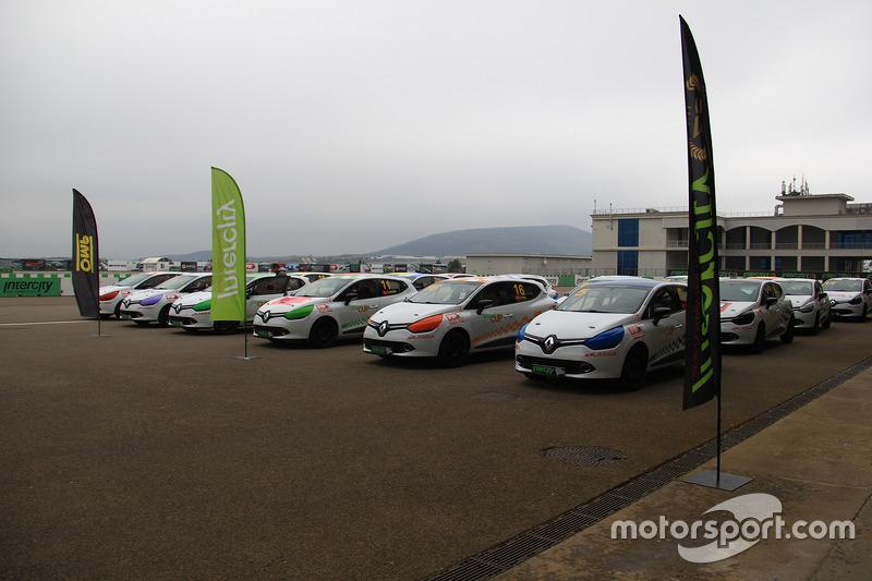 Clio Cup araçları