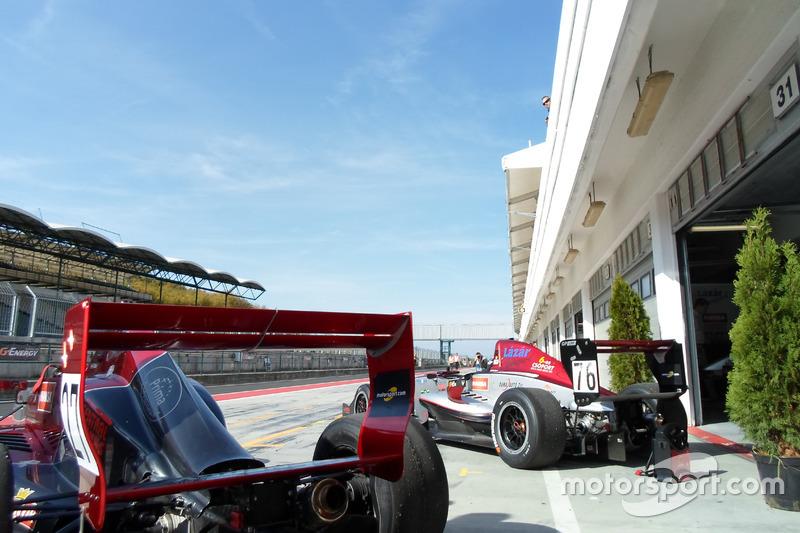 Автомобили команды Gender Racing Team на «Хунгароринге»