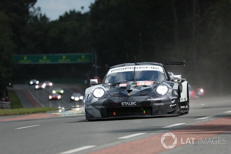 44: (GTE Am pole) #88 Dempsey Proton Competition Porsche 911 RSR: Matteo Cairoli, Khaled Al Qubaisi, Giorgio Roda, 3'50.728
