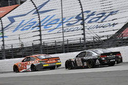 Daniel Suarez, Joe Gibbs Racing Toyota, Dale Earnhardt Jr., Hendrick Motorsports Chevrolet