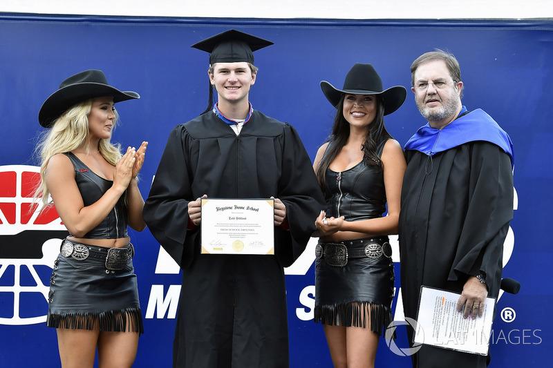 Todd Gilliland, Kyle Busch Motorsports, Toyota Tundra Mobil 1 High School Graduation ceremony