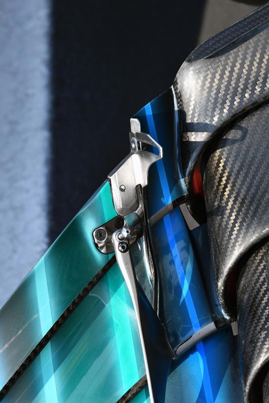 Mercedes AMG F1 W09 detalle del alerón delantero