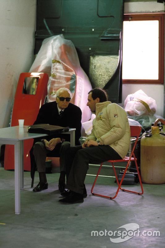 Enzo Ferrari con Marco Piccinini, direttore sportivo, Ferrari