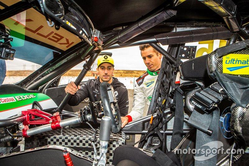 Rick Kelly, Kelly Racing Nissan, Daniel Ricciardo, Renault F1 Team