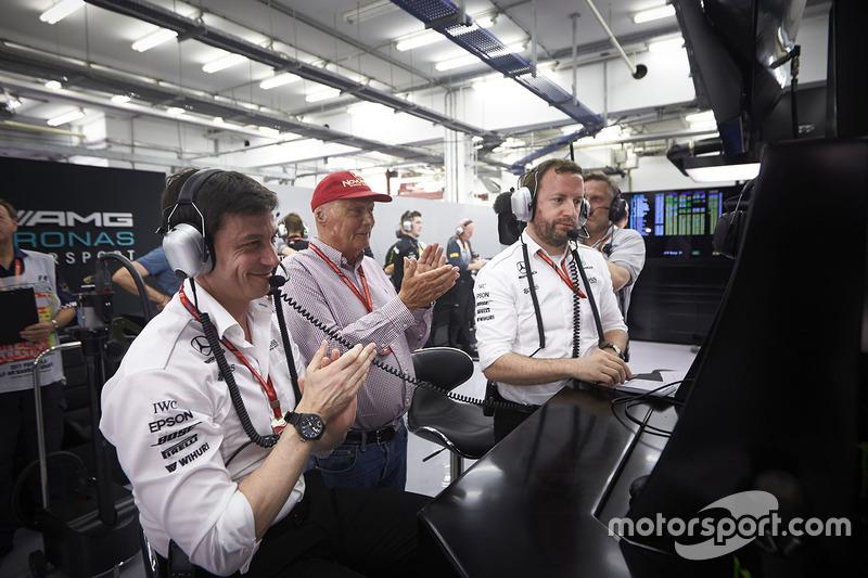 Toto Wolff, Mercedes AMG, y Niki Lauda
