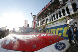 Race winner Ryan Blaney, Wood Brothers Racing Ford