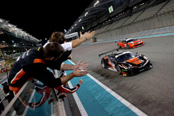 Race winners #11 Kessel Racing Ferrari 488 GT3: Michael Broniszewski, Giacomo Piccini, Davide Rigon