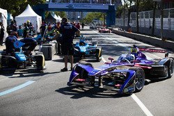 Sam Bird, DS Virgin Racing, leaves the pits