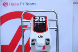 Alerón delantero y morro del Haas F1 Team VF-17