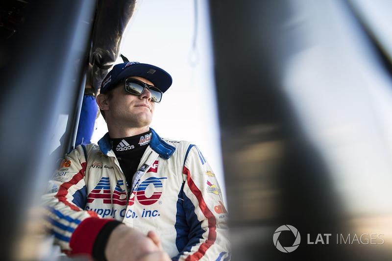 "Dale Coyne Racing: <img src=""https://cdn-8.motorsport.com/static/img/cfp/0/0/0/200/228/s3/united_states-2.jpg"" alt="""" width=""20"" height=""12"" />Конор Дэли (№17, выступит только на Indy 500)"