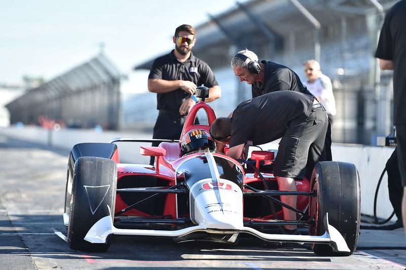Oriol Servia prova la Honda IndyCar 2018