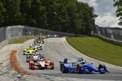 Scott Dixon, Chip Ganassi Racing Honda, Josef Newgarden, Team Penske Chevrolet
