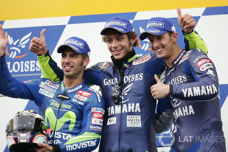 Podium: ganador, Valentino Rossi; segundo, Marco Melandri; tercero Colin Edwards