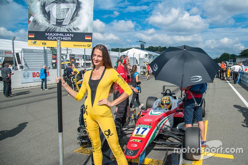 Grid girl, Maximilian Günther, Prema Powerteam Dallara F312 - Mercedes-Benz