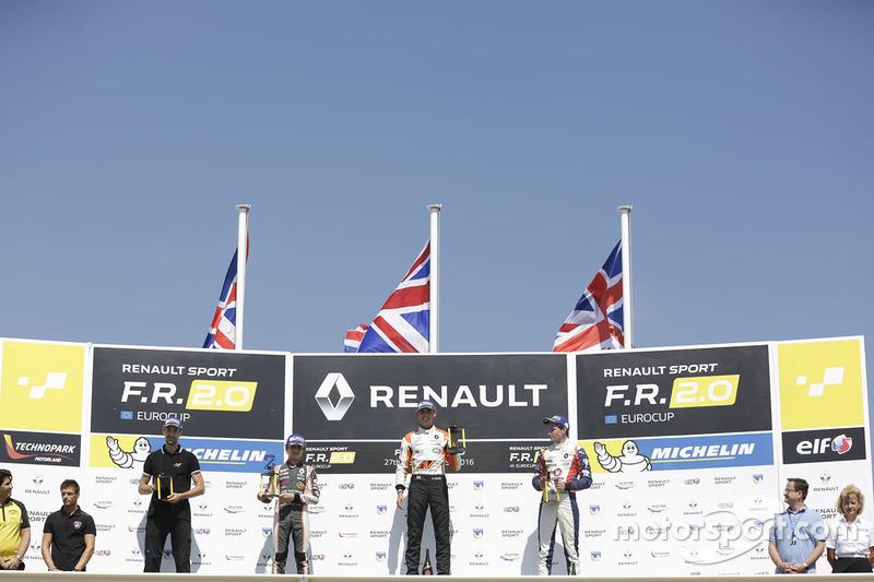 Podyum: 1. Harrison Scott, AVF by Adrian Valles, 2. Lando Norris, Josef Kaufmann Racing, 3. Will Pal