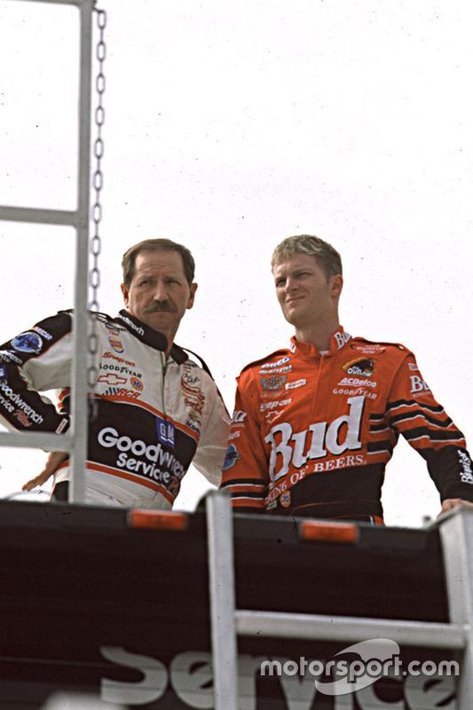 Dale Earnhardt und Dale Earnhardt Jr.