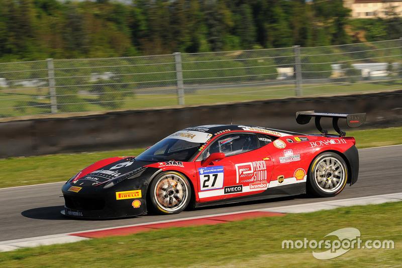 #27 Rossocorsa - Pellin Racing, Ferrari 458: Alessandro Vezzoni