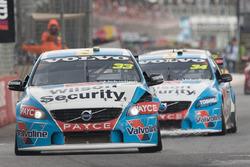 Scott McLaughlin, Garry Rogers Motorsport Volvo and James Moffat, Garry Rogers Motorsport Volvo