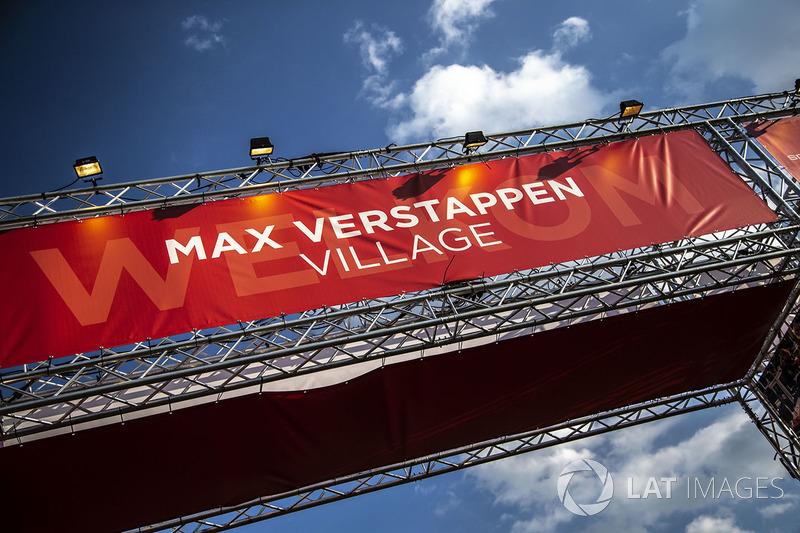 Max Verstappen, Red Bull Racing fans village
