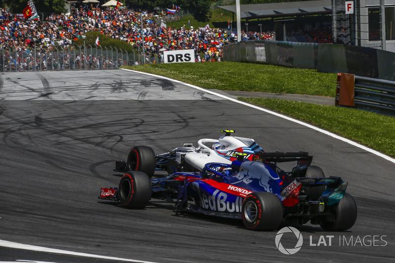 Pierre Gasly, Scuderia Toro Rosso STR13, Sergey Sirotkin, Williams FW41