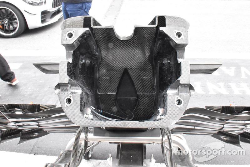 Vue détaillée du nez de la Toro Rosso STR13