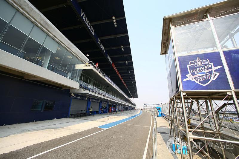 Pit lane Chang International Circuit
