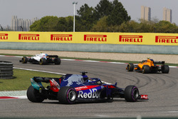 Sergey Sirotkin, Williams FW41 Mercedes, Stoffel Vandoorne, McLaren MCL33 Renault, and Brendon Hartley, Toro Rosso STR13 Honda