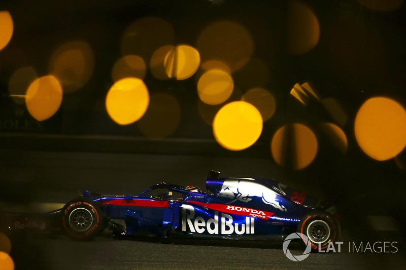 Пьер Гасли финишировал четвертым – это были первые очки для него самого и лучший результат для Honda после возвращения в Ф1. Кажется, последней фразой француз потроллил Фернандо Алонсо