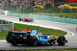 Fernando Alonso, Renault R26 junto a Felipe Massa, Ferrari 248 F1