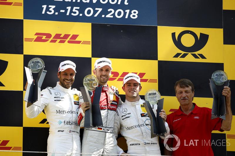 Подіум: Рене Раст, Audi Sport Team Rosberg, друге місце Гері Паффетт, Mercedes-AMG Team HWA, третє місце Пол ді Реста, Mercedes-AMG Team HWA