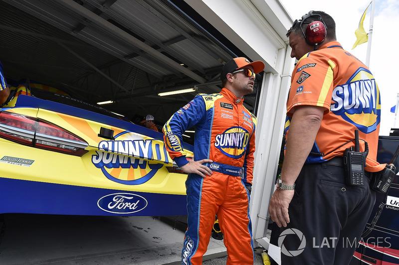 Ricky Stenhouse Jr., Roush Fenway Racing, Ford Fusion SunnyD y Matt Puccia