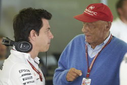 Toto Wolff, Executive Director (Business), Mercedes AMG, en Niki Lauda, Non-Executive Chairman, Mercedes AMG