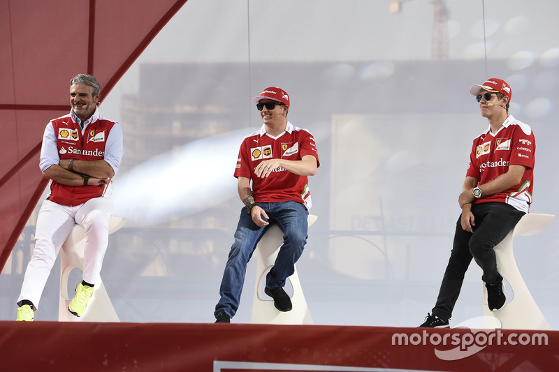 Maurizio Arrivabene, Ferrari Team Principal with fans; Kimi Seb Chef